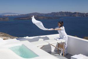 Kalestesia Suites - Spa massage treatment with caldera view
