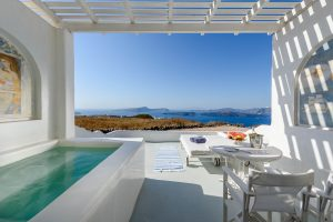 Kalestesia Suites - Deluxe Suite private veranda with heated Jacuzzi and caldera view