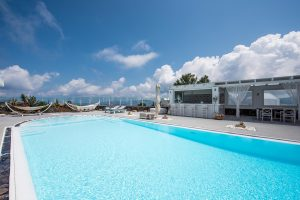 Kalestesia Suites - Swimming Pool & Pool Bar